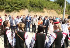 OTVARANJE KUĆE VELIKOG PISCA Dodik: Ćopić pokazao veličinu Srpske duše (FOTO)