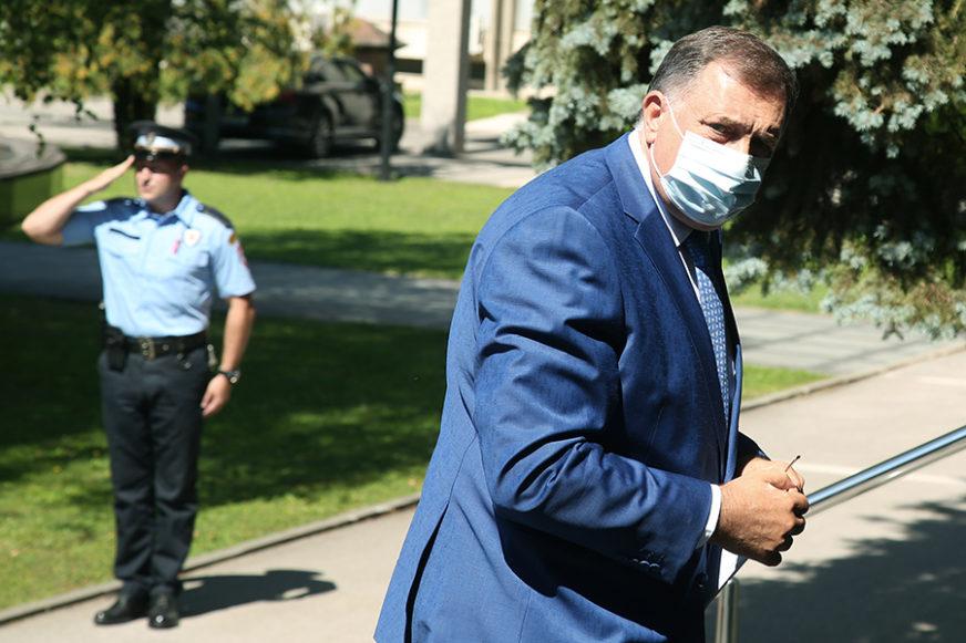 """""""GRAD SA NAJVIŠE PERSPEKTIVE U SRPSKOJ"""" Dodik ističe da je počašćen što je kum slave Bijeljine"""