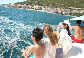 Laskaju tijelu: Ovo ljeto jednodijelni kupaći kostimi su pravi hit (FOTO)