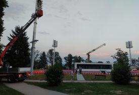 """RADOVI PRIVEDENI KRAJU Park """"Mladen Stojanović"""" krasi novi teniski teren (FOTO)"""