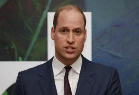 NAPAD PANIKE NA MAJČINOM GROBU Mediji tvrde da je princ Vilijam završio u bolnici