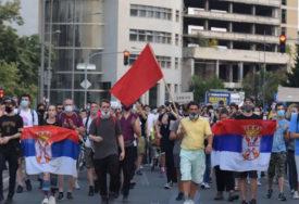 OD SJEVERA DO JUGA Na protestima u Subotici muzika, kolonu u Nišu zaustavila Žandarmerija