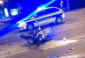 SUDAR MOTORA I AUTOMOBILA U saobraćajnoj nesreći teško povrijeđeni mladić i djevojka