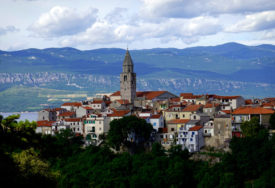 SLOVENIJA ZABRINUTA ZBOG SITUACIJE Epidemiolozi za uvođenje strožih mjera na granici sa Hrvatskom