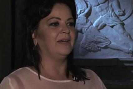 NAJGLASNIJA NA PLANETI Kad Smiljana pjeva, publika plače OD BOLA (VIDEO)
