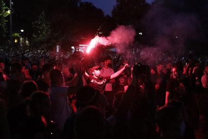 """""""SKIDALI KAIŠEVE I NAPADALI POLICIJU"""" Rebić o hapšenju maloljetnika tokom protesta"""