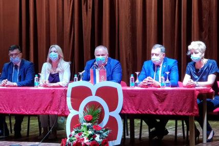 Željka Cvijanović: Pobjeda SNSD na lokalnim izborima važna za BOLJI ŽIVOT Teslićana