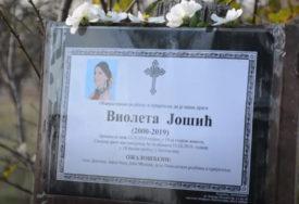 VIOLETU NOŽEM IZBO 30 PUTA Počelo suđenje Dušanu (34) zbog brutalnog ubistva bivše djevojke