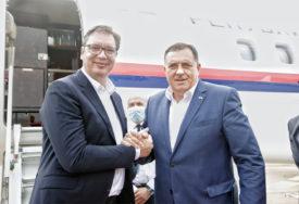 ZAVRŠENA POSJETA Vučić i delegacija Srbije napustili Srpsku