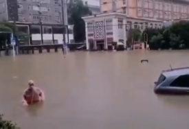 NAJOBILNIJE KIŠE PROTEKLIH DECENIJA Najmanje devet osoba ZATRPANO u kližištima u Hubeju (VIDEO)