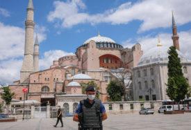 TEŠKE RIJEČI IZMEĐU ANKARE I ATINE Rastu tenzije zbog pretvaranja Aja Sofije u džamiju