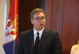 """""""DRAGI PRIJATELJU, POBIJEDIĆEŠ"""" Vučić poželio brz oporavak Borisovu od korona virusa"""