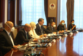 VUČIĆ U BANJALUCI Počeo sastanak u Vladi Srpske