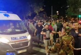 EPILOG DRAMATIČNE NOĆI U BEOGRADU Povrijeđeno 13 policajaca i sedam civila