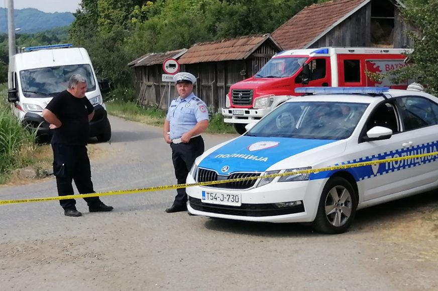DRAMA KOD GRADIŠKE Komšiju pogodio BOMBOM U GLAVU, pa se zabarikadirao u kuću (FOTO)