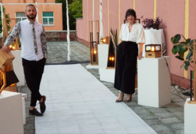 """""""LINIJA SVJETLOSTI"""" Izložba dizajnerskih lampi otvorena u Doboju (FOTO)"""