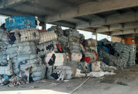 MJEŠTANI ZABRINUTI U Grahovu i Drvaru završilo nekoliko kamiona OTPADA iz Italije (FOTO)