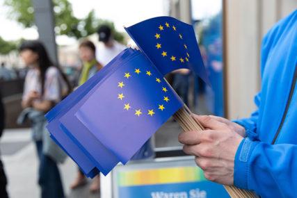 GODINE NERADA TEŠKO NADOKNADITI Da li BiH može da ispuni veći dio prioriteta Evropske komisije