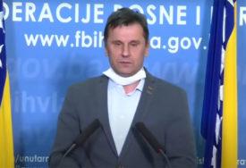 """NOVALIĆ PORUČUJE """"Nećemo uvoditi policijski čas u FBiH"""""""