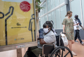 VIŠE OD 915.000 SLUČAJEVA U Americi za dvije sedmice više zaraženih nego u cijelom junu