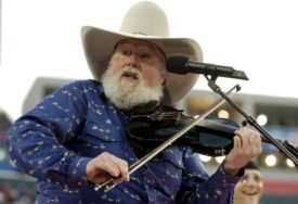 Preminuo čuveni američki kantri muzičar Čarli Danijels