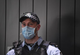 """PREVARANT UŽIVAO 24 ČASA Odštampao ček kojim je kupio """"porše"""", a uhvaćen kad je htio da se počasti """"Roleksom"""""""