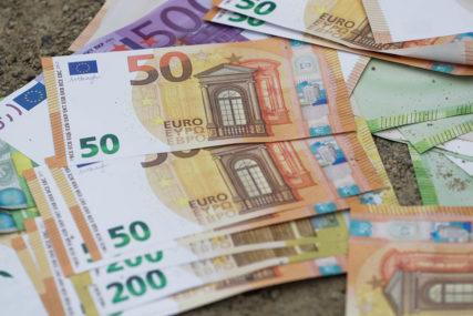 GRAĐANI MOGU MALO DA ODAHNU Moratorijum od dva mjeseca na otplatu dugova