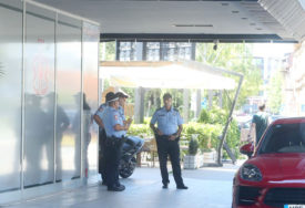 DOŠAO NA PIĆE, PA UHAPŠEN Policija čuva motocikl za koji se smatra da je Šakićev (FOTO)
