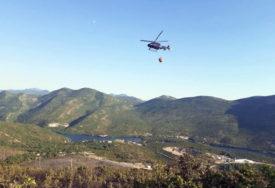 POŽAR KOD TREBINJA Grad pod dimom, dejstvuje i helikopter