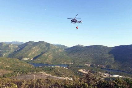Helikopter izvidio situaciju na požarištu u Trebinju: Helikopterski servis Srpske spreman da dejstvuje ako bude potrebno