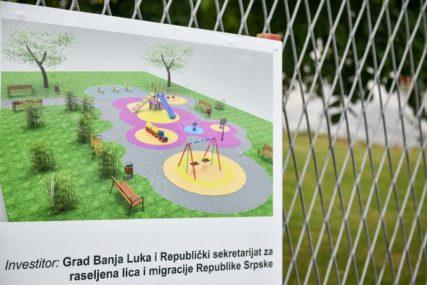 ZA MJESEC I PO Novo dječje igralište u Lazarevu