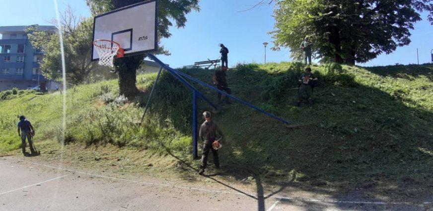 """DOBRA VIJEST ZA LJUBITELJE KOŠARKE Uređen sportski teren kod dvorane """"Obilićevo,, (FOTO)"""