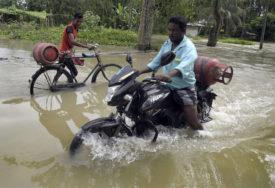 UGROŽENO DVA MILIONA LJUDI Monsunske poplave usmrtile najmanje 50 osoba