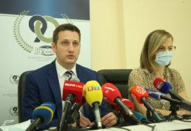 DVIJE OSOBE PREMINULE U Srpskoj korona virus potvrđen kod još 16 osoba