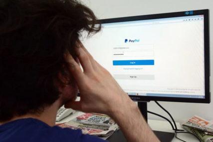OPASNO ŠIRENJE DEZINFOMACIJA Brisel traži JAČU borbu protiv prevara na internetu