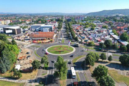 MANJE SAOBRAĆAJNIH GUŽVI U Banjaluci za samo četiri godine izgrađeno 12 kružnih tokova (VIDEO)