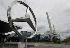 """OPREZ ZBOG NEISPRAVNE KLIME """"Mercedes"""" sa tržišta povlači 135 000 vozila"""