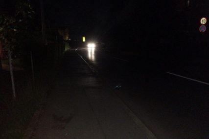 STARČEVICA U MRAKU Glavna ulica opasna za kretanje
