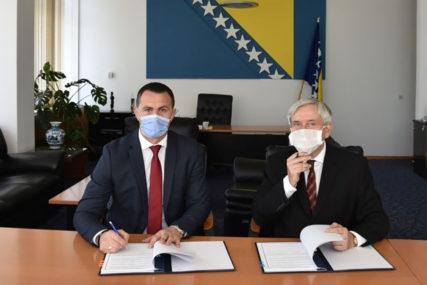 ZNAČAJNA POMOĆ Francuska donirala BiH sistem za borbu protiv ilegalne trgovine oružjem