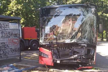 """""""AUTOBUS PODIVLJAO, PA UDARIO ŽENU"""" Prolaznici svjedočili jezivoj saobraćajnoj nesreći"""