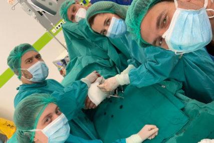 USPJEH HIRURGA UKC RS Spasli amputiranu šaku, pacijent se dobro oporavlja