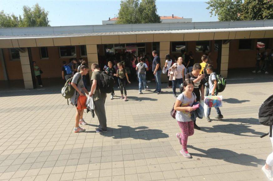 MUKE S TEŽINOM Istraživanje Fakulteta fizičkog vaspitanja i sporta u osnovnim školama