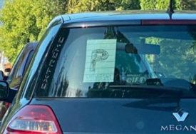 OVO NISTE ZNALI Oznaku za početnika u vožnji pišu i rukom, ali samo je jedan ISPRAVAN NAČIN
