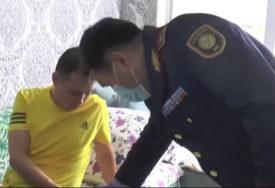 NEUSTRAŠIVI POLICAJAC Jureći za pedofilom skočio sa 13. sprata, preživio i uhvatio ga