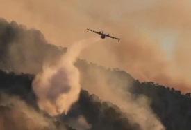 VELIKI ŠUMSKI POŽARI U GRČKOJ Više od 1.000 vatrogasaca na terenu (VIDEO)