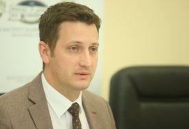 PREPORUKA DA SE NOSE I NA OTVORENOM Zeljković: Zaštitnih maski ima dovoljno na tržištu