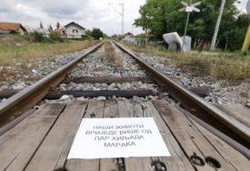 """""""NAŠI ŽIVOTI VRIJEDE VIŠE """" PDP traži da se poveća stepen bezbjednosti pružnih prelaza"""