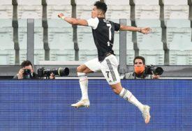 DAJE GOLOVE GDJE GOD STIGNE Ronaldo doveo Juventus pred titulu i OBORIO REKORD