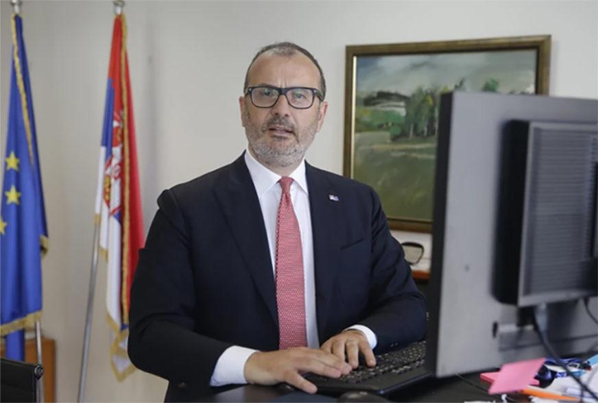 """""""PROBLEM RIJEŠITI DIJALOGOM"""" Fabrici potučio da s pažnjom prate dešavanja u Beogradu"""