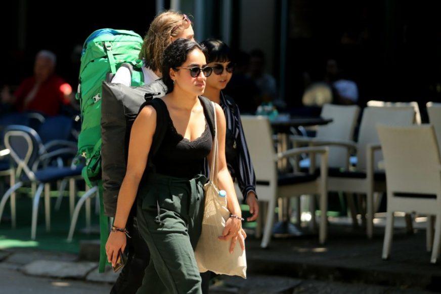 HILJADE KREVETA PRAZNO Hoteli, hosteli i privatni smještaj bez gostiju više od tri mjeseca